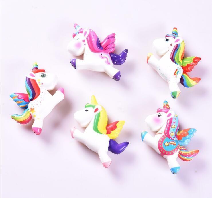 8 * 12cm 다채로운 유니콘 말 짜기 장난감 무지개 비행 말 천천히 상승 부드러운 짜기 전화 매력 queeze 카와이 키즈 장난감 선물