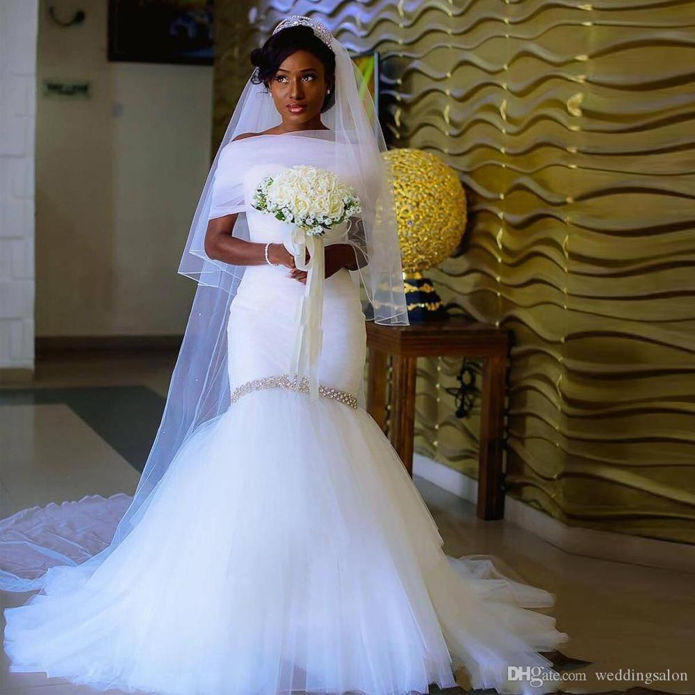 Robe de mariée simple sirène hors épaule drapée à volants en cristal Afrique robe de mariée balayage train robe de mariée