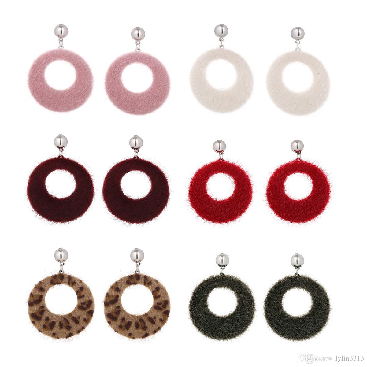 Mix Color New Arrival Hollowed Hoop Dangle Earrings for Women Korea Faux Fur Colorful Ear Wear Fashion Jewelry 24pair