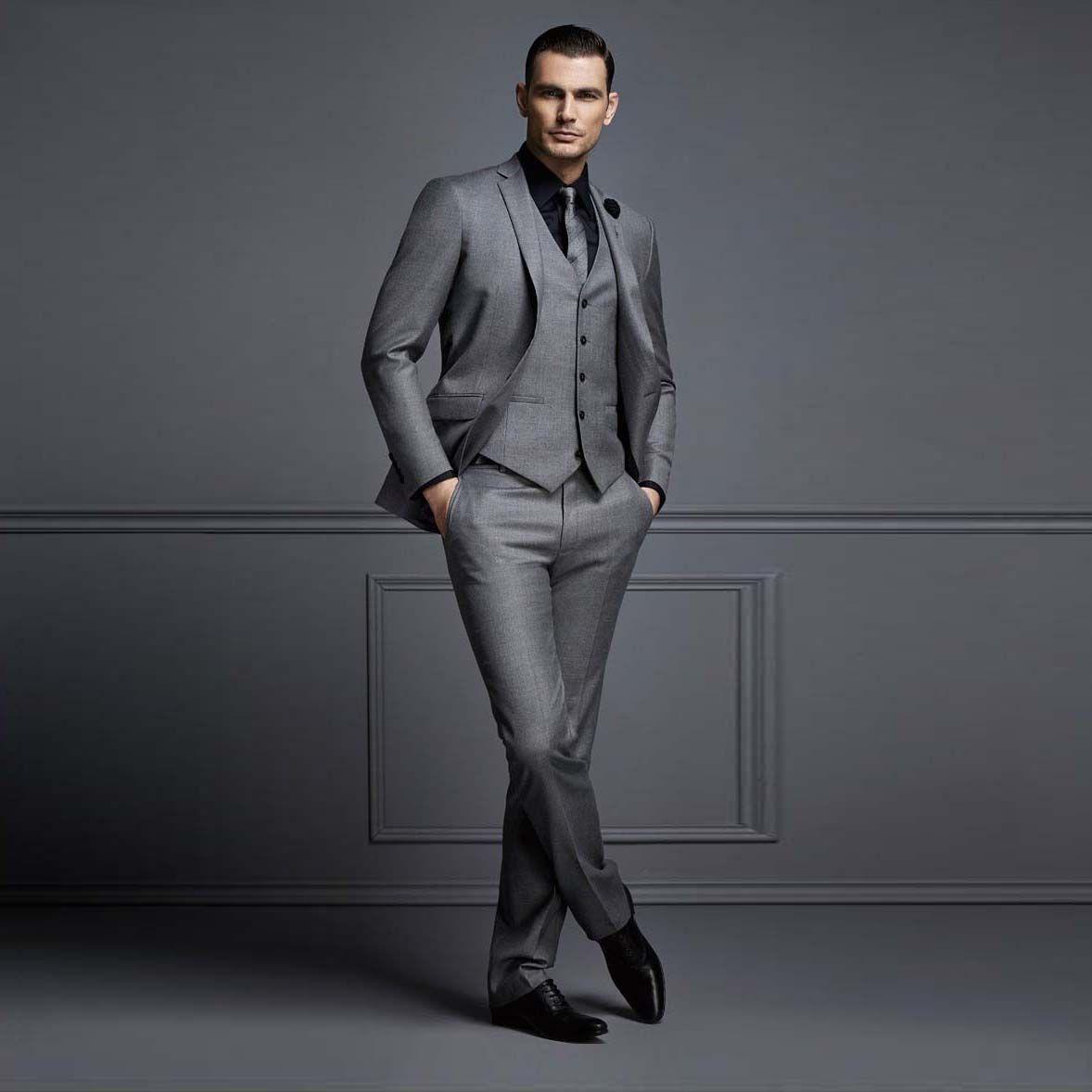 2018 Dernière pantalon manteau Designs Costume gris Hommes pour mariage 3 pièces Costumes Slim pour les entreprises entaillé smokings Veste Gilet Lapel Pantalon