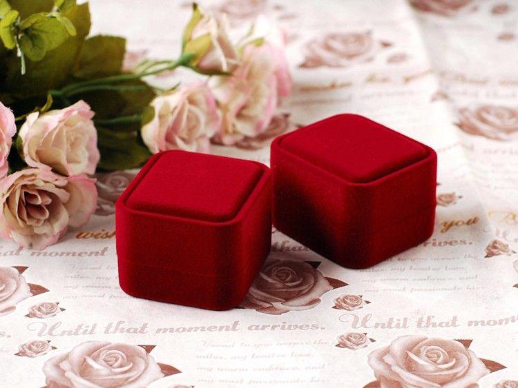 dark red ring box (1)