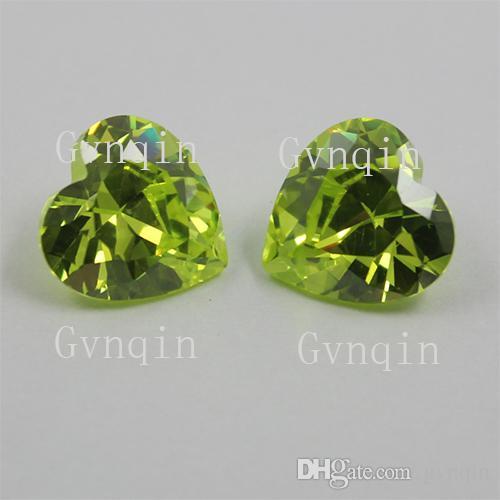 100pcs / lot liberan la 5x5mm-12x12mm óxido de circonio cúbico de manzana verde corazón piedras sueltas de la gema
