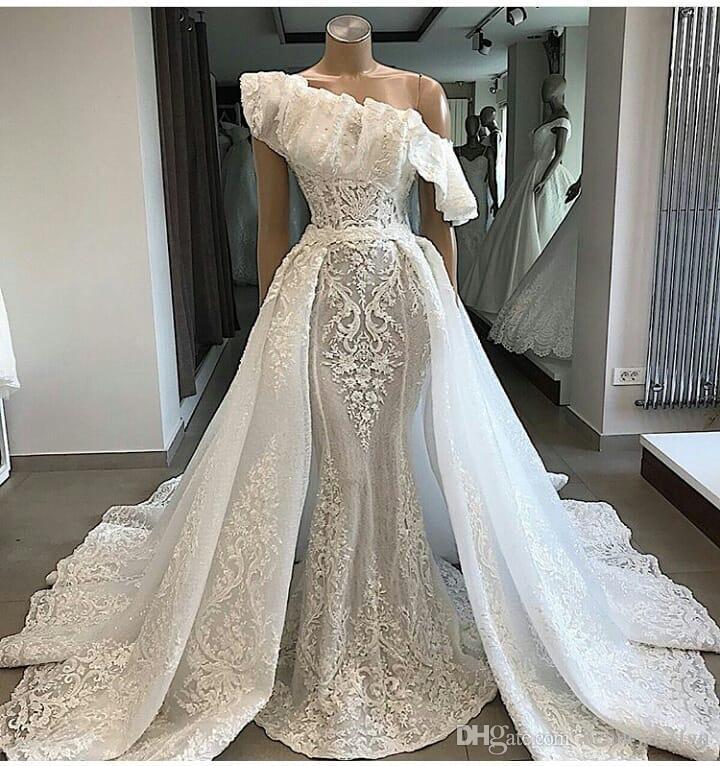 2019 Luxus echte Fotos Eine Schulter Spitze Brautkleider mit abnehmbarem Gericht Zug Applique Mermaid Braut Couture Engagement Kleid