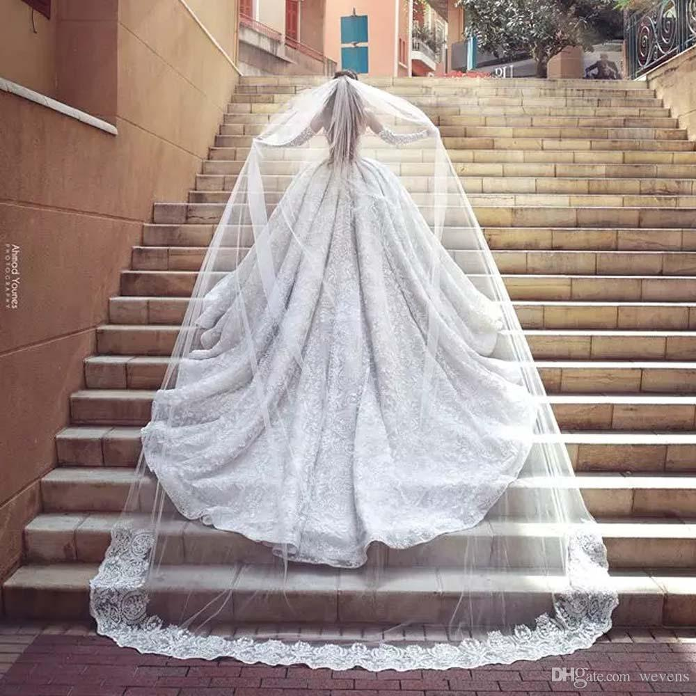 In Stock Wedding Veils Cathedral Bridal Veils Appliques Lace Edge White One Layers with Comb 3 Meters Long Long Wedding Viel Fast Shipping