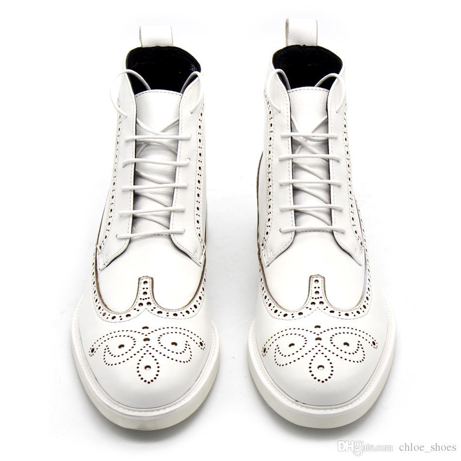 اليدوية أعلى جلد البقر الأبيض منحوتة دربي أحذية الرجال