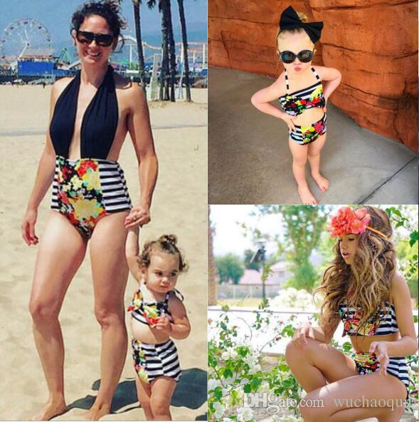 Famille correspondant tenues Floral mère et fille maillots de bain tenues 2018 Mère et fille maillot de bain rayé fleur Bikinis 2pcs / set BY0176