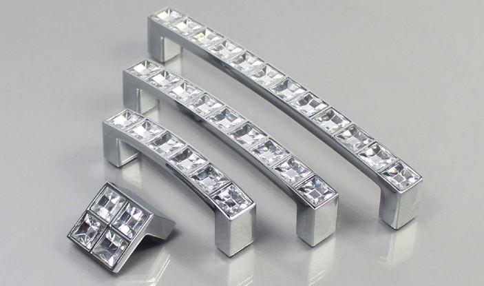 Fashion European Silver Diamond Crystal Handles Home Decoration Modern Minimalist Cabinet Drawer Wardrobe Door Zinc Alloy Pulls