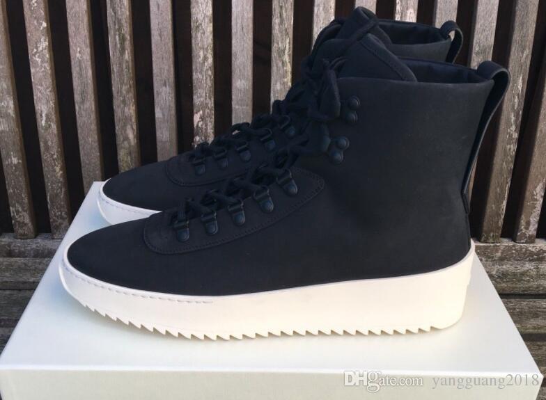 2021 Neue Top Qualität Stiefel Hight Best of God Angst Militär Frauen Elfenbein Armee Stiefel Männer und Mode 39-46 Schuhe Martin Black Sneakers TXAFO