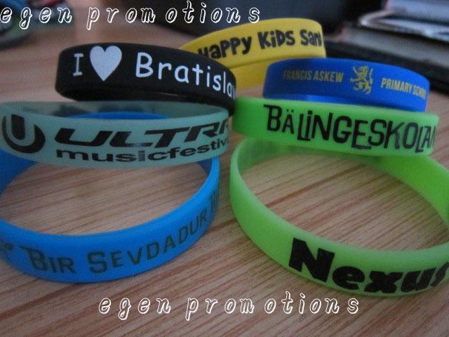 100pcs bandes en caoutchouc personnalisées promotions egen bracelets en silicone personnalisés personnalisez l'écriture pas cher sur les bracelets en silicone S915