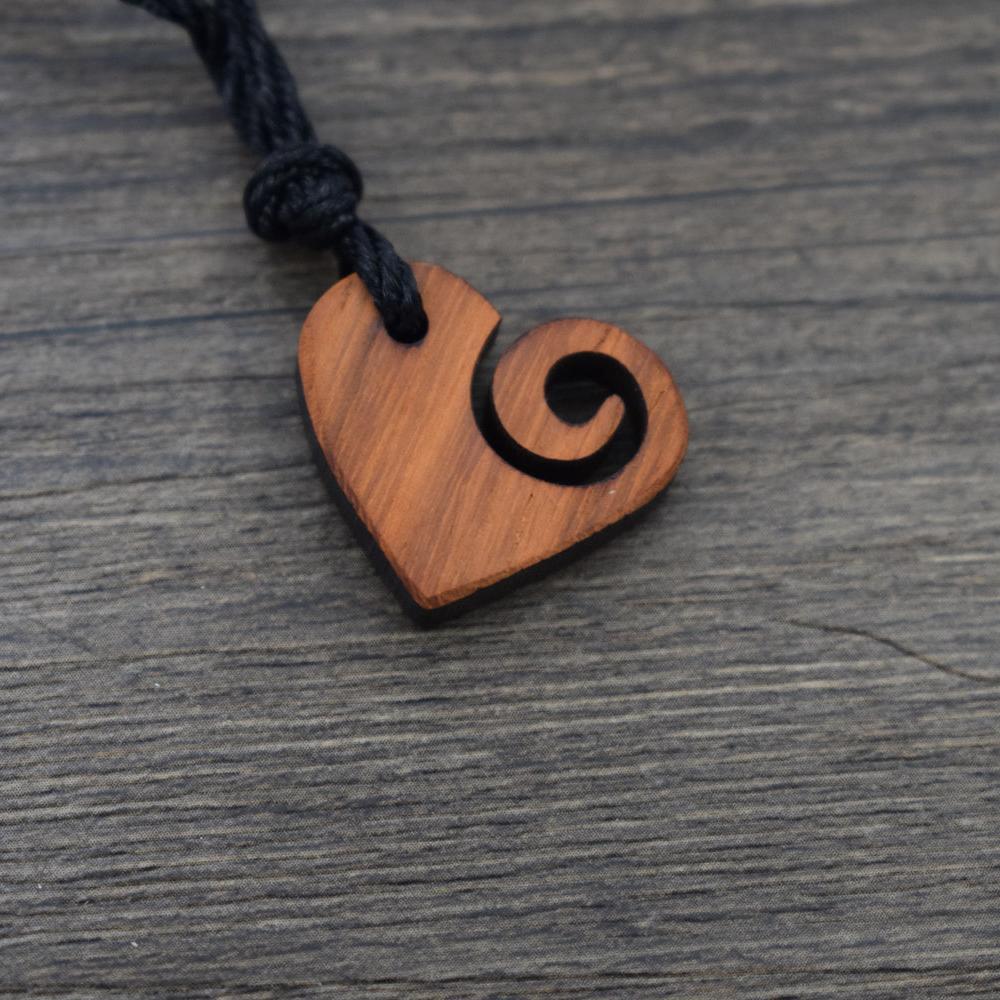 Atacado 1 pcs madeira eu amo onda colar oceano onda do coração jóias