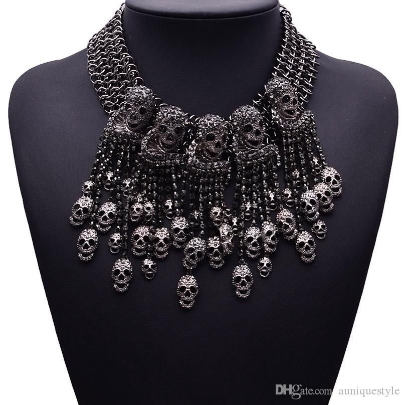 Exaggerated Collar Necklace Skeleton Head Short Chain Female Retro Fashion Accessories Vintage Collar Skull Necklace Punk Party Jewelry Gift