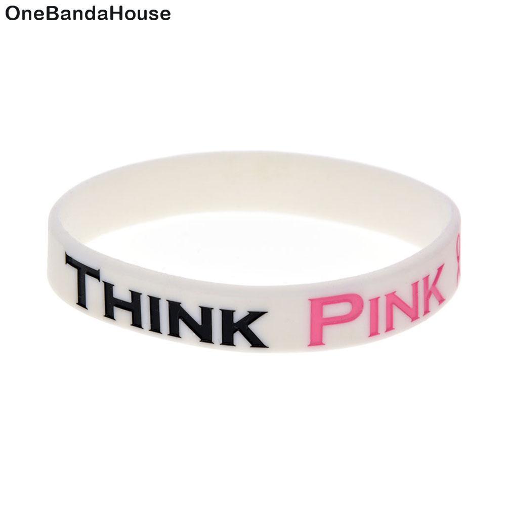 100PCS Bianco Debossed Pensate Bracciale gomma di silicone di colore rosa per la Breast Cancer Awareness Dimensioni adulti