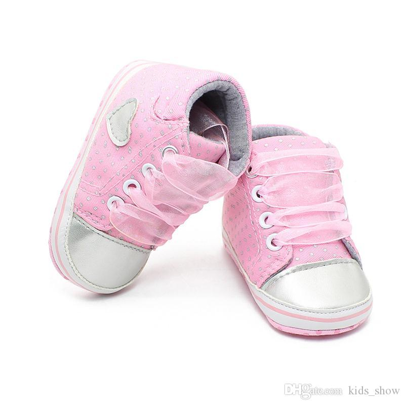 Baby Girl Polka Dots Crib Shoes Toddler Soft Sole Sneaker Pink Gray Infant Lace Up shoes Princess First Walkers 0-1years old baby