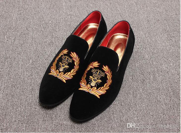 Förderung Neue frühling Männer Velvet Loafers Party hochzeit Schuhe Europa Stil Bestickt schwarz Samt Hausschuhe Mokassins Fahren