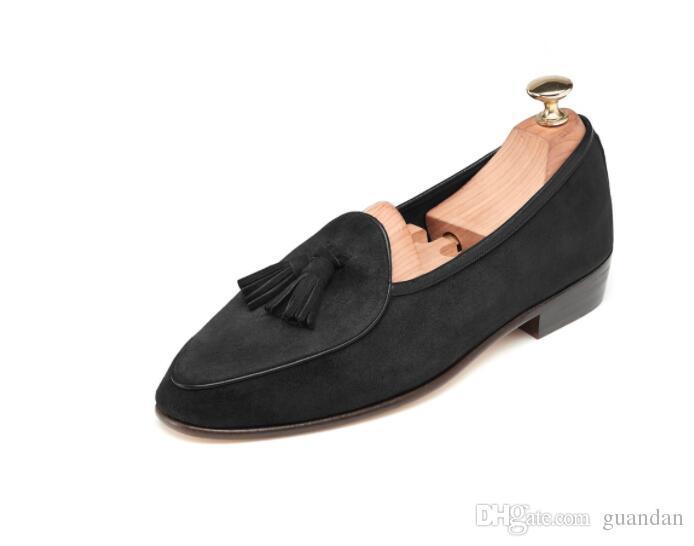 Gli uomini caldi di vendita mocassino di modo scarpe di cuoio genuini della pelle scamosciata con la nappa slittano sul mocassino degli uomini della festa nuziale 1H20