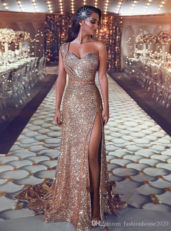 2018 Sparkly Sequined Gold Evening Dresses Wear One Shoulder Sequins Sheath Rose Gold Split Sweep Train Plus Size Formal Pageant Prom Gowns