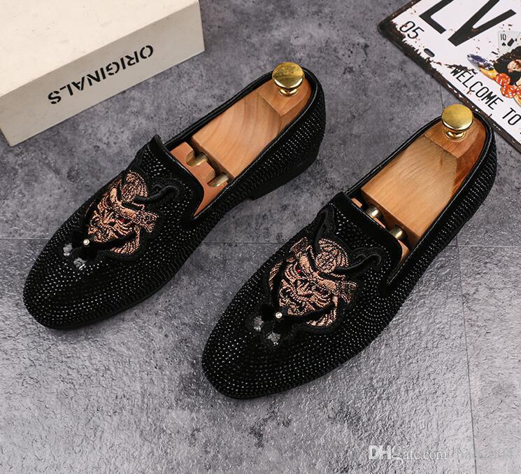 A alta qualidade da moda mocassins bordados homens abelhas de ouro homens de luxo sapatos casuais sapatos sapatos de vestido feito à mão size37 44 c8