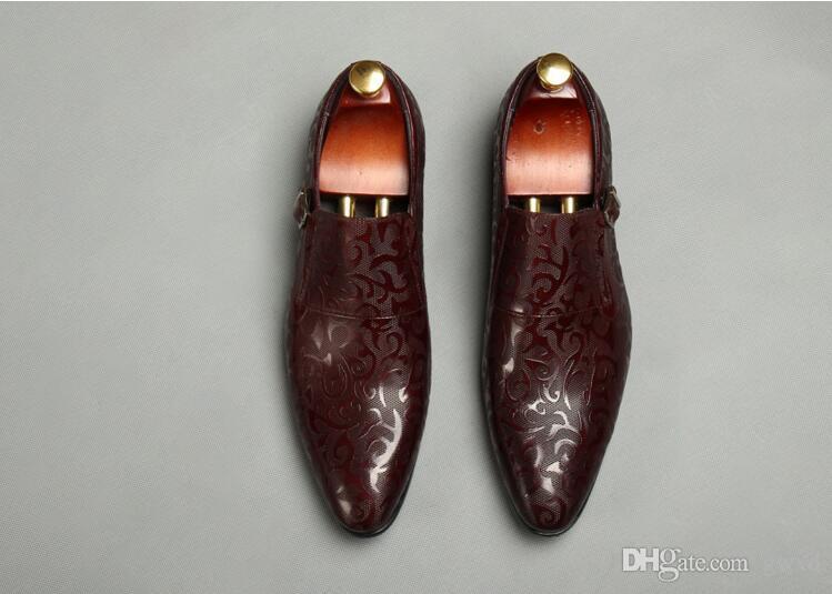 2018 Nuovo stile Lusso italiano moda Slip-on mens dress shoes Designer in vera pelle marrone nero scarpe da sposa maschili J50