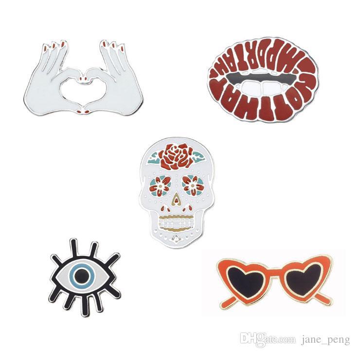 Punk Style Evil Eye Lip Skull Occhiali Dello smalto duro Spille Pins Piccola dimensione Carino Pins per le donne Vestiti degli uomini Zaino Cappello Accessori
