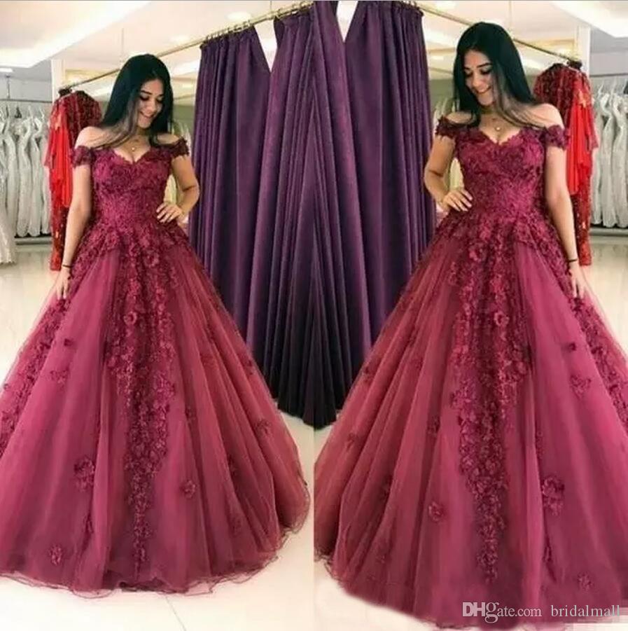 3D-꽃 Appliqued 부르고뉴 댄스 파티 드레스 2019 오프 숄더 공식 파티 드레스 지퍼로 돌아 가기 성인식 볼 가운 우아한 긴 댄스 파티 드레스