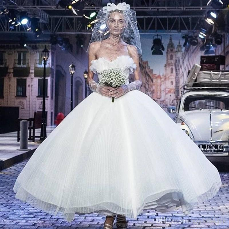 Sexy Attractive Short Wedding Dresses Stylish Ruffles Strapless Tulle Ball Gowns Bridal Dress Glamorous Ankle Length Princess Wedding Gown