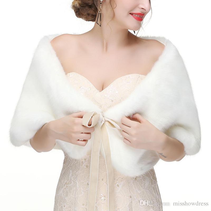 Kış Düğün Gelin Faux Kürk sarar Sıcak Kabanlar Kadın Ceketler İçin Prom Akşam Parti Günler CPA1602 şallar