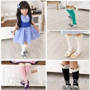 Yaylar Prenses Çorap Kız Sevimli Bebek Çorap Uzun Tüp Çocuklar Saf renk pamuk dantel çorap b895 ile Yüksek Bebek Kız Çorap Diz