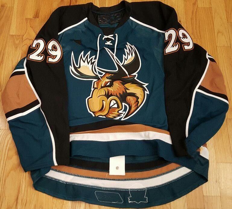 2021 Vintage Manitoba Moose 29# 14 CODY HODGSON 36 TAYLOR ...