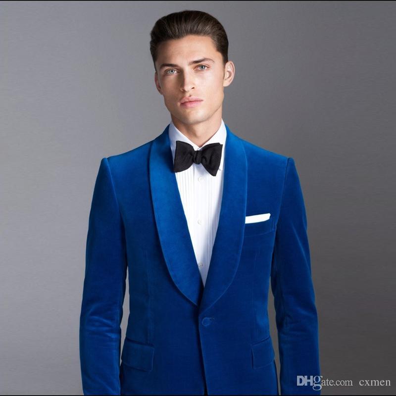 2018 Últimos diseños de trajes de hombre de terciopelo azul real para bodas Esmoquin de novio vintage Chalecos de padrino de boda de corte clásico Chaqueta Solapa 2 piezas