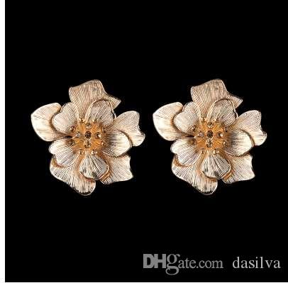 Dvacaman Big Gold Color Metal Flower Stud Earrings for Women Trendy Champagne Crystal Statement Earrings Pendients Jewelry AC53
