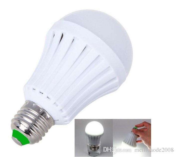 E27 Lâmpada LED Lâmpada de Emergência 5W 7W 9W 12W Manual / Controle Automático 180 Graus Luz Luz Vendedores de Rua Funcionamento 3-5 Horas LFA