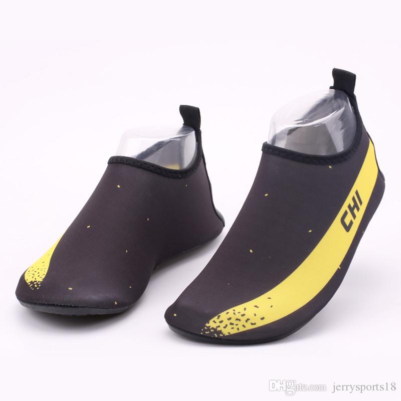 Les nouvelles femmes et hommes Chaussures aux pieds nus Chaussettes Aqua eau séchage rapide pour la plage de natation Surf Yoga exercice 2018 chaussures Creek adulte en plein air chaussures de plage