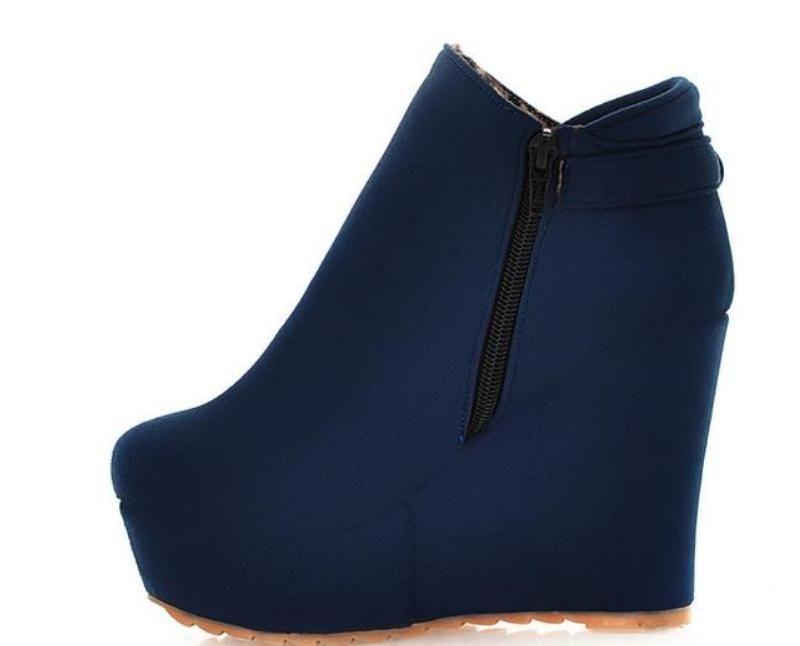 Free send 2016 new style autumn winter Slope heel women's short boots waterproof table Martin boots high heel