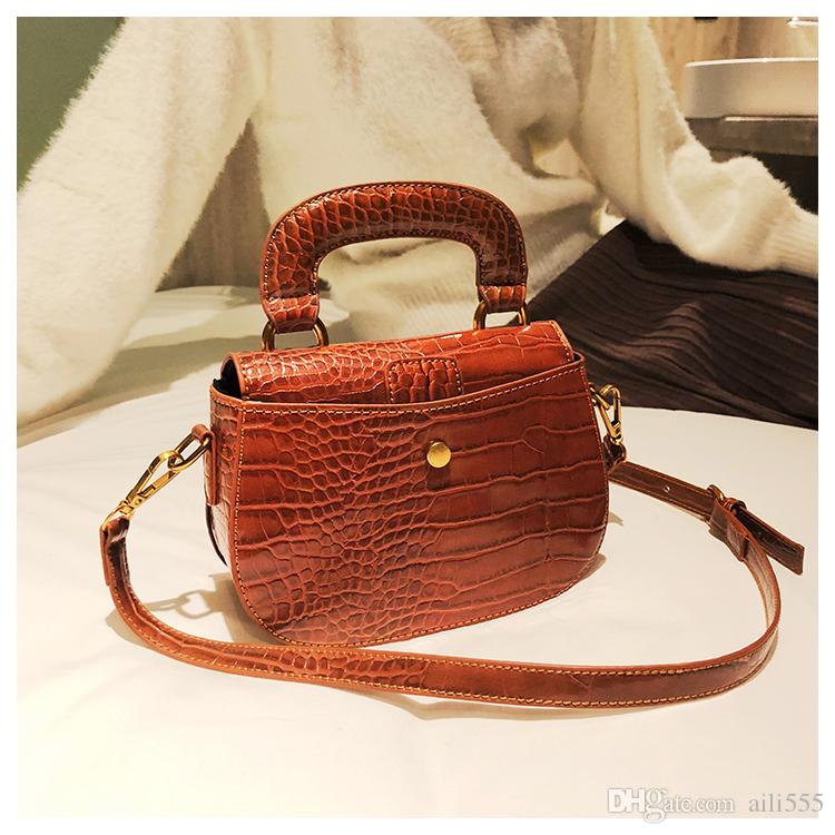 2018 Small Ladies Saddle Bags Artwork Messenger bags Women Shoulder Crossbody bags Famous Brand Senmoer /10