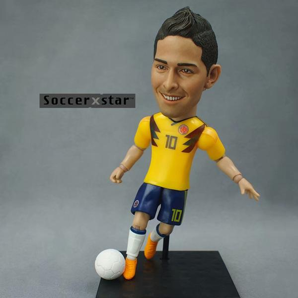 1Pcs-Football-star-Soccer-Star-Figures-Colombia-10-JAMES-12cm-5in-Height-Action-Dolls-Figurine (1)_