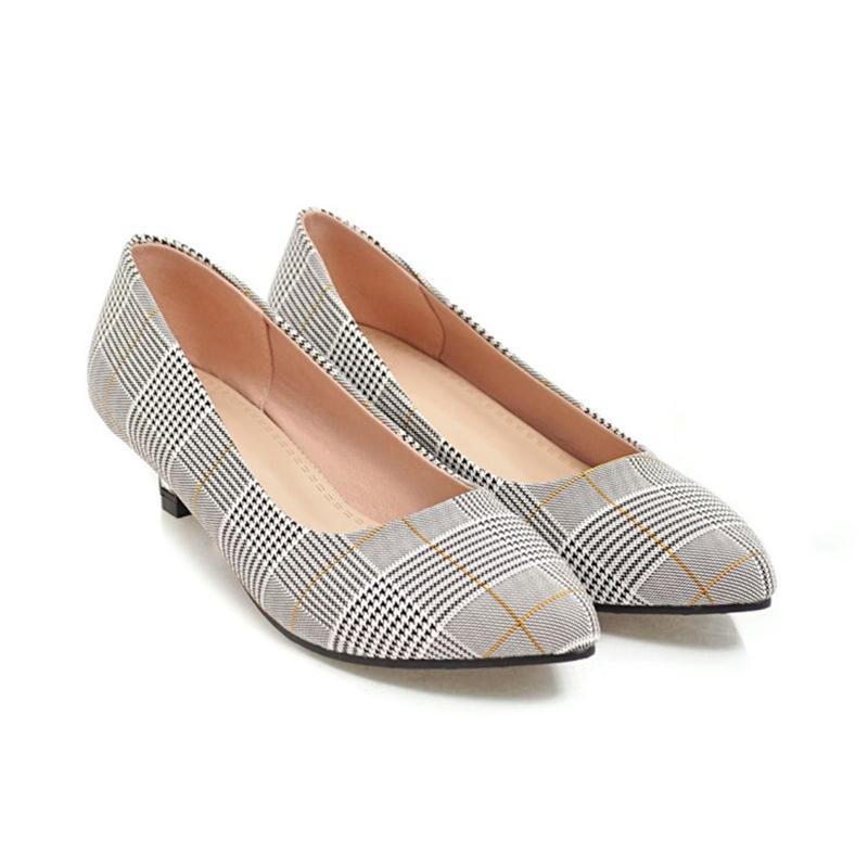 حار بيع الأزياء النسائية الاصطناعية منخفض كعب المحكمة أحذية السيدات أشار أصابع مضخات FF-S734 الحجم حسب الطلب favofans