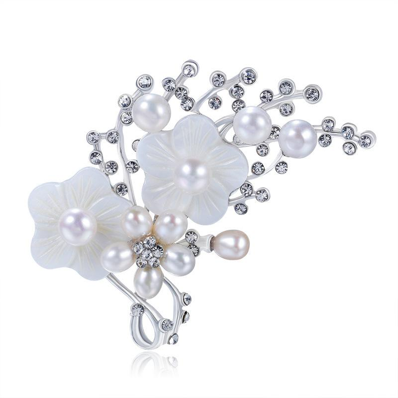 TaoBao Heat Pin High Block Broth Natural Pearl White Shell Inlaid Rhinestone Delicate Plum Blossom Flower Brooch Goods In Stock A911