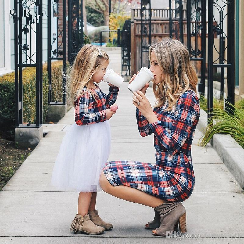 Mother Daughter Long Sleeve Plaid Family Dresses Mommy and Me Matching Outfits Moms And Girls Round Neck Plaid Shirt Clothes
