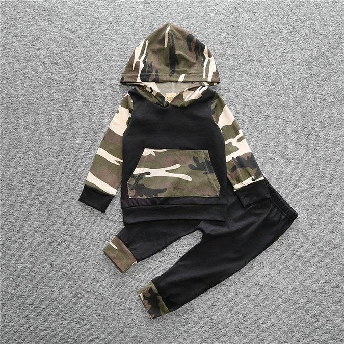 Set Babykleidung Babykleidung Kapuzenoberteile Hose Baby Camouflage Bekleidung Winter-Langarmanzug 2-tlg. einstellen