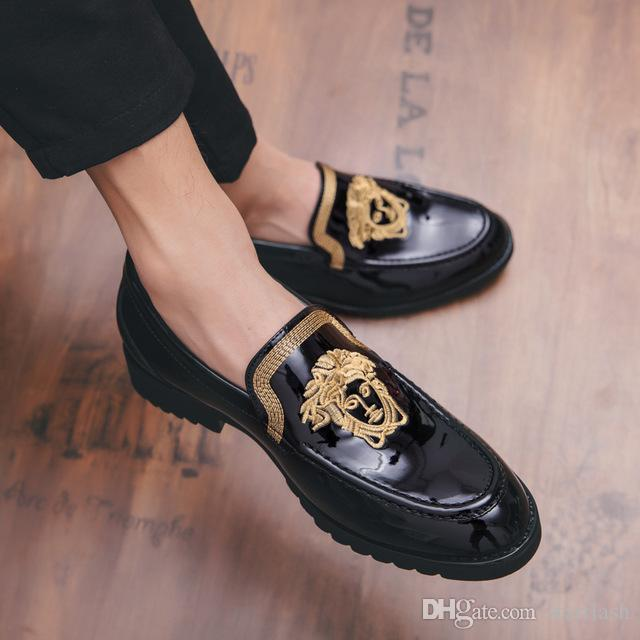 2018 Italian Designer Men Dress Shoes Embroidery Handmade Black Patent Leather Loafers Luxury Formal Wedding Flats Male Oxford Shoes Q-482