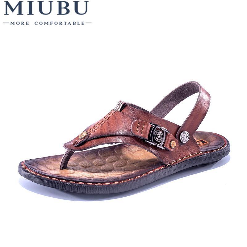 MIUBU Verano Sandalias de cuero genuino Hombres Zapatillas frescas Hombres Zapatos planos Diapositivas Zapatos de playa Dos maneras de usar sandalias