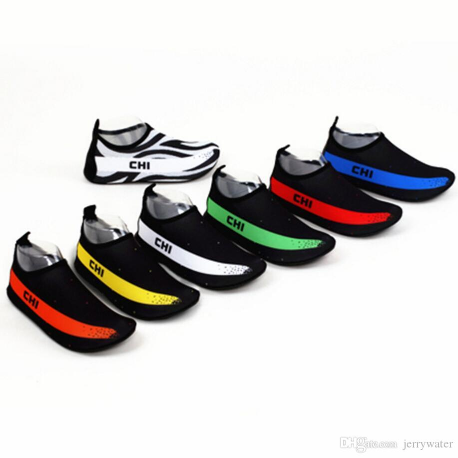 2021 New Womens And Mens Water Shoes Barefoot Quick Dry Aqua Socks For Beach  Swim Surf Yoga Exercise 2018 Creek Shoes Adult Outdoor Beach Shoe From  Jerrywater, $10.19 | DHgate.Com