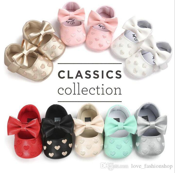 21 colores para bebés niños zapatos mariposa niñas corazón bordado PU zapatos de cuero Primeros caminante infantil niño zapatos