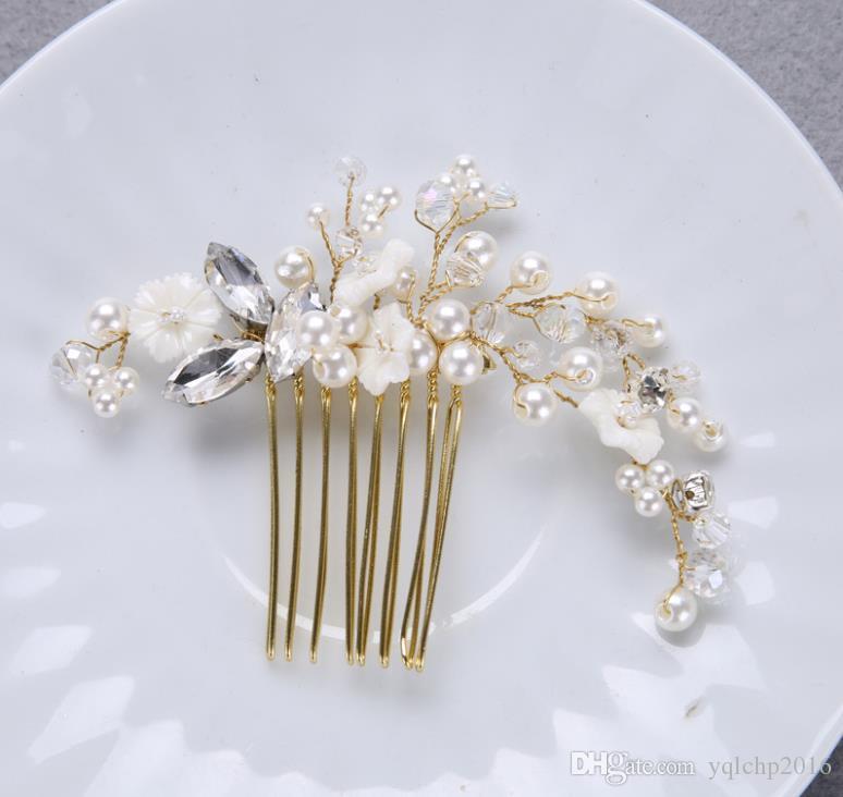 Novia, flor de la perla hecha a mano, peine, vestido de boda de oro, accesorios, sombreros, adornos nupciales.