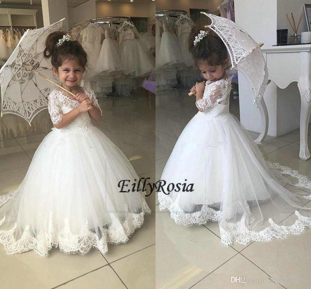 2018 Princess Flower Girl Dresses A Line Half Sleeves with Long Train Little Girls Pageant Dresses White Lace Applique For Wedding Communion