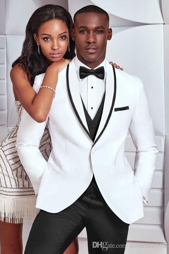 Новый дизайн одна кнопка Белый жених смокинги Шаль лацкане женихи мужские свадебные костюмы отличный человек костюмы (куртка + брюки + жилет + галстук) 82