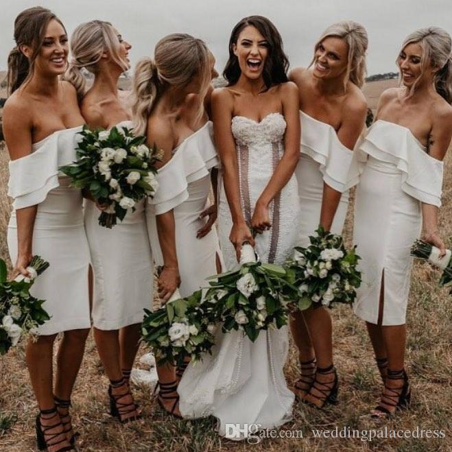 White Ivory Simple Cheap Sheath Bridesmaid Dresses Sexy Ruffles Formal Maid Of Honor Dress Prom Dress Evening Gowns Wedding Party Gowns