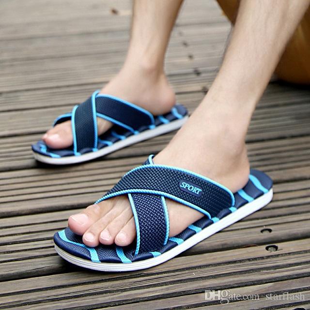 2018 Pantofole uomo nuovo leggero casual plaid strisce sandali moda estate uomo classico infradito caldo morbido scarpe da spiaggia Q-21