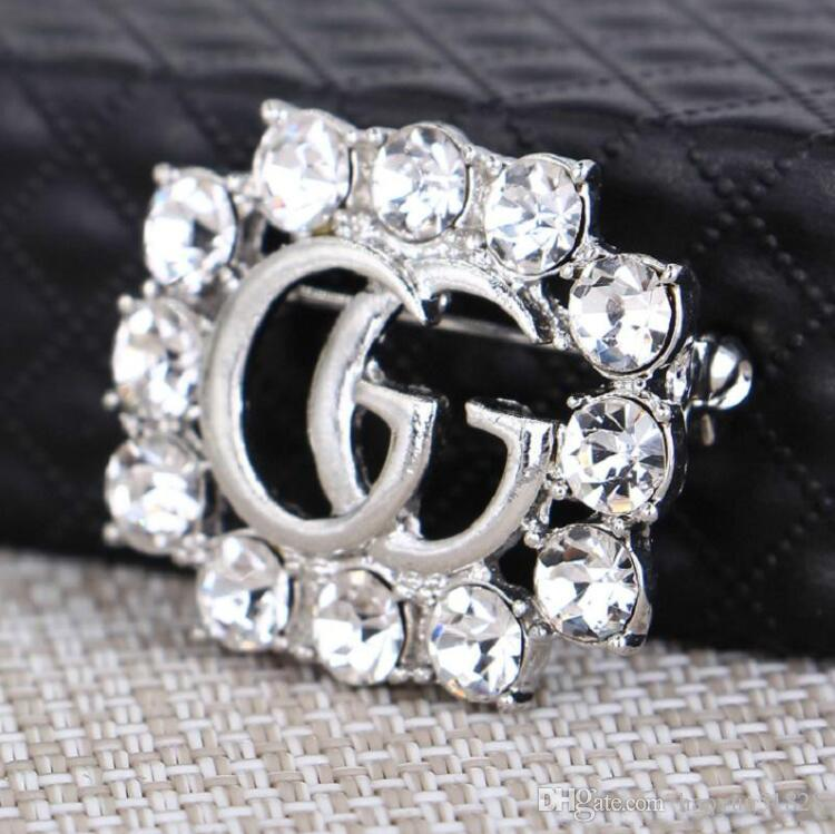 On Sale Fashion Rhinestone Crystal Brooch For Cheap Men And Women High-grade Lady Flower Platinum Plated Brooches Clothing Accessories