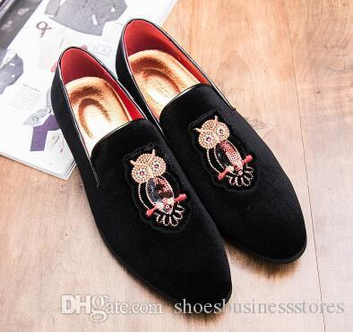 Diseñador de moda Los hombres del bordado lobo Oxford Zapatos Masculinos Homecom Vestidos de fiesta zapatos de boda se deslizan en el caballero del novio FootwearCX293